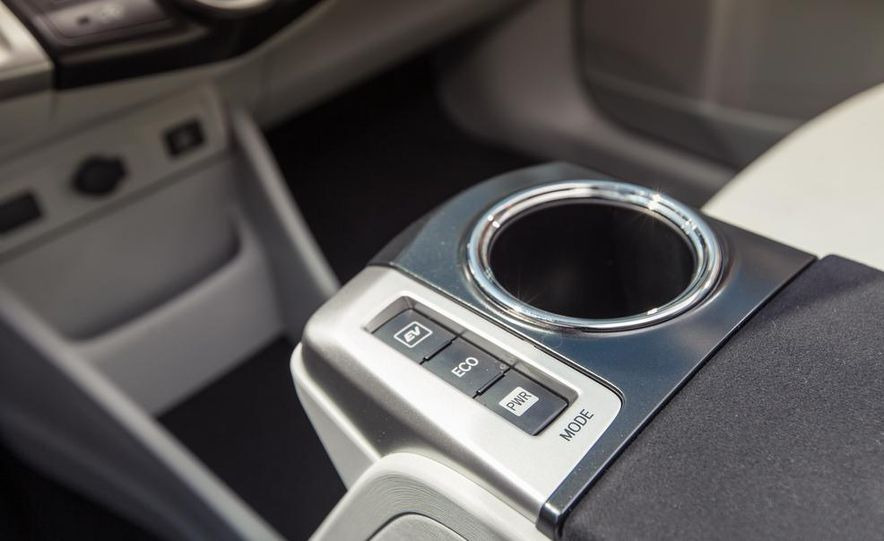 2013 Toyota Prius V - Slide 34