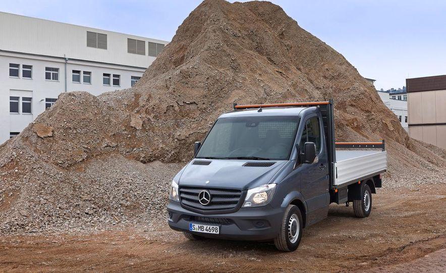 2014 Mercedes-Benz Sprinter cargo van - Slide 5