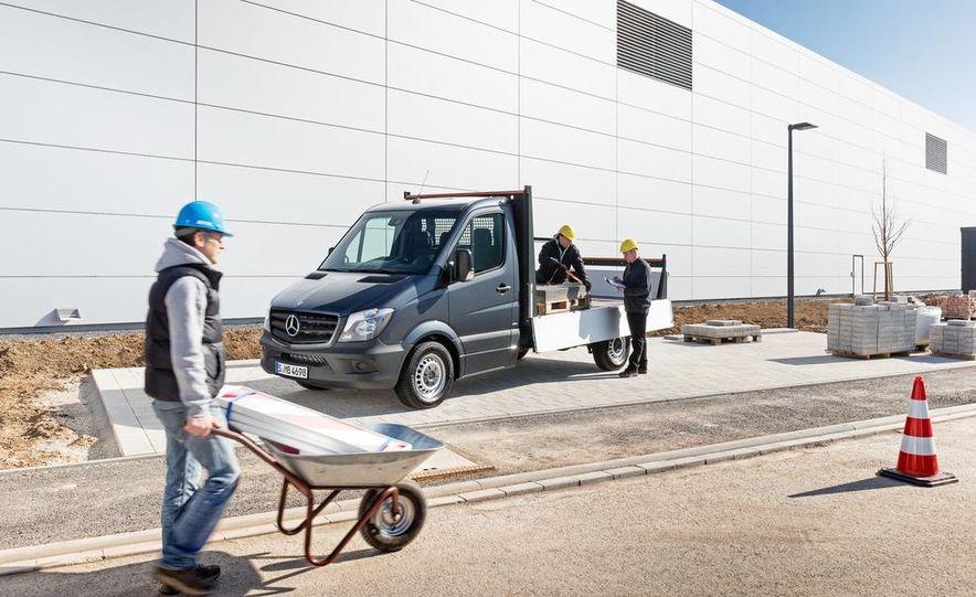 2014 Mercedes-Benz Sprinter cargo van - Slide 6