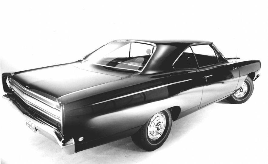 1968 Plymouth Road Runner - Slide 2