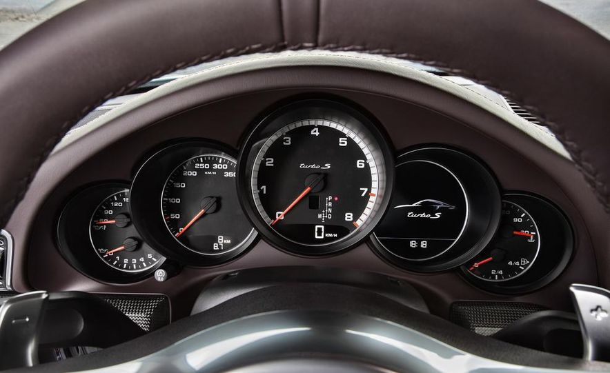 2014 Porsche 911 Turbo S coupe - Slide 12