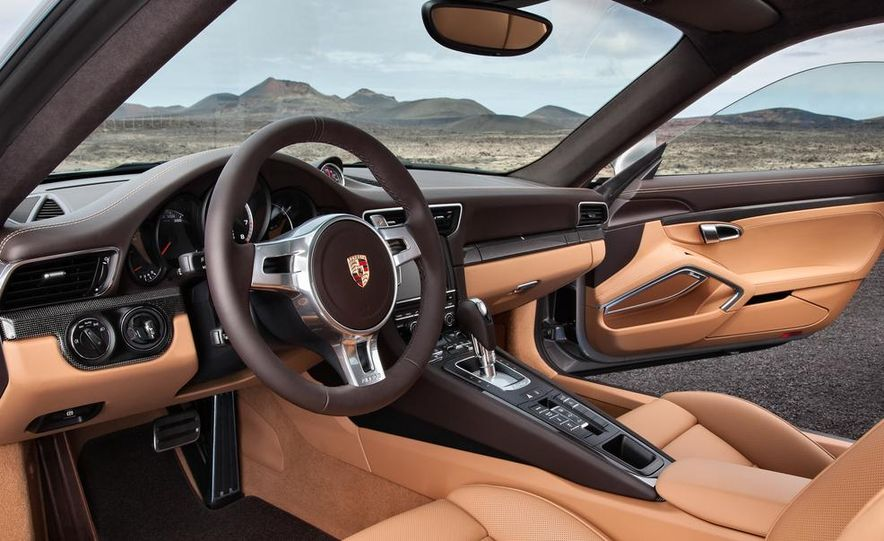 2014 Porsche 911 Turbo S coupe - Slide 11
