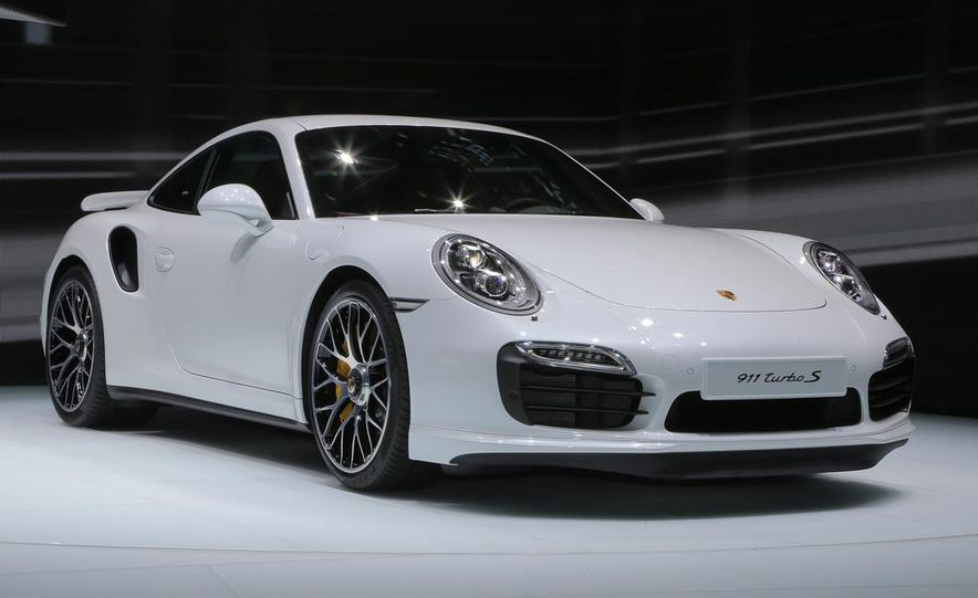 2014 Porsche 911 Turbo S coupe - Slide 14