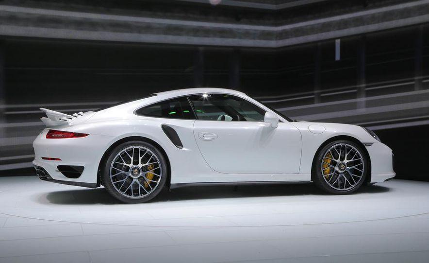 2014 Porsche 911 Turbo S coupe - Slide 15