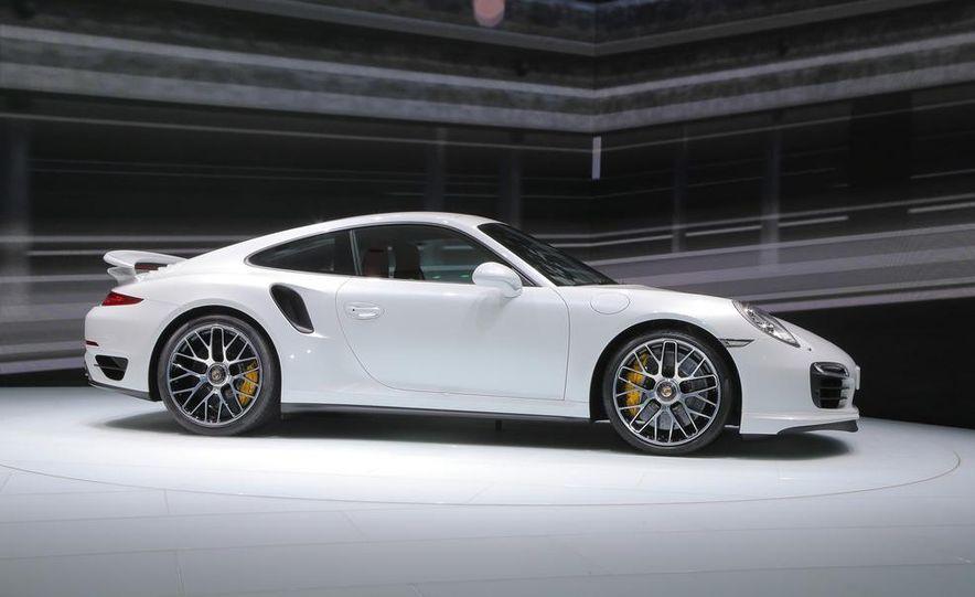 2014 Porsche 911 Turbo S coupe - Slide 16