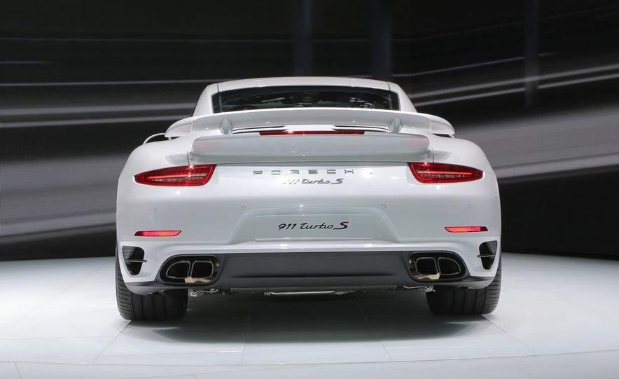 2014 Porsche 911 Turbo S coupe - Slide 20