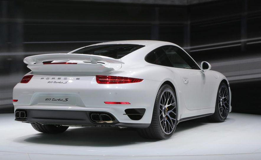 2014 Porsche 911 Turbo S coupe - Slide 21