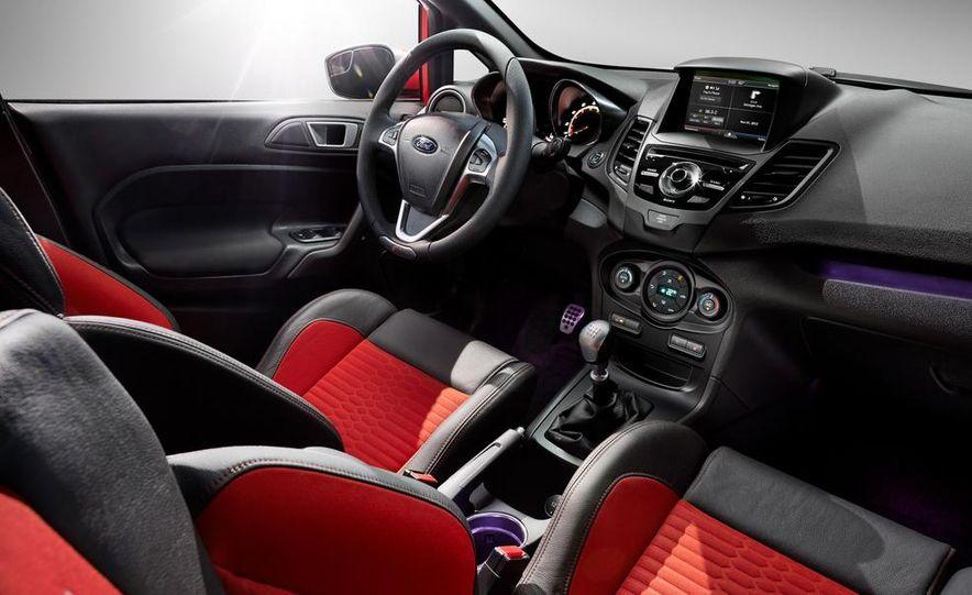 2014 Ford Fiesta ST - Slide 33