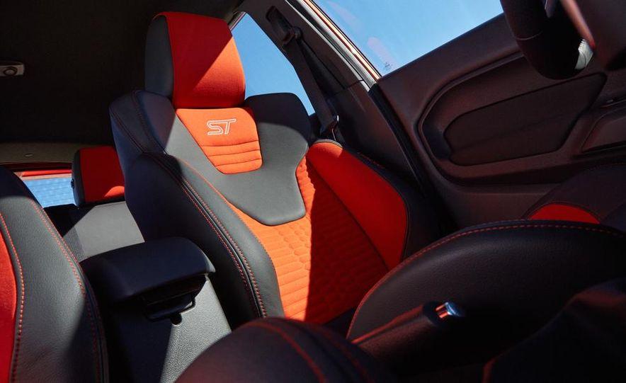 2014 Ford Fiesta ST - Slide 35