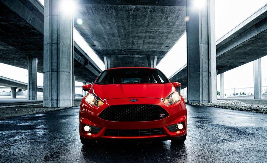 2014 Ford Fiesta ST - Slide 11