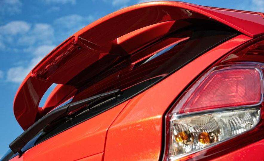 2014 Ford Fiesta ST - Slide 29