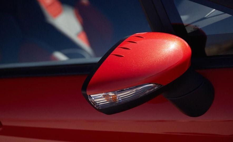 2014 Ford Fiesta ST - Slide 27