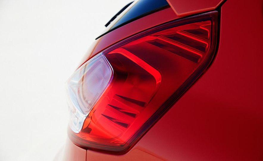2014 Ford Fiesta ST - Slide 30