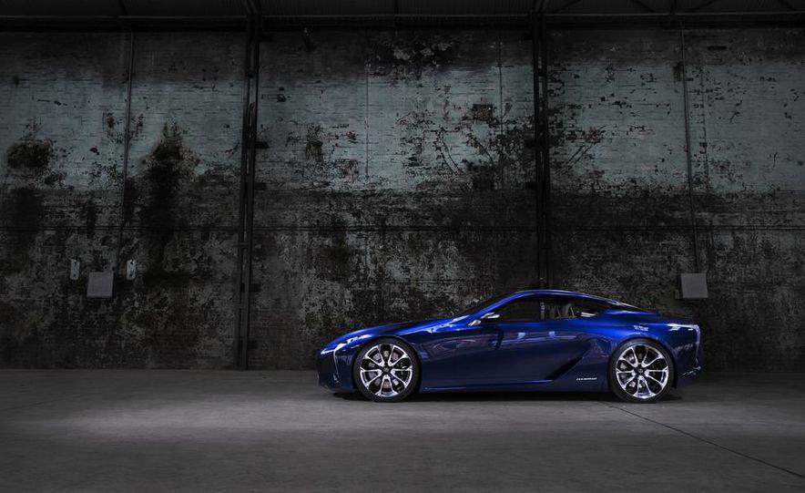 Lexus LF-LC Blue concept - Slide 13