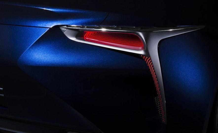 Lexus LF-LC Blue concept - Slide 16