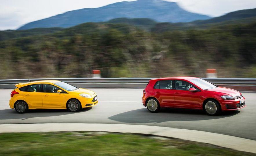 2015 Volkswagen GTI 5-door and 2013 Ford Focus ST (Euro-spec) - Slide 7