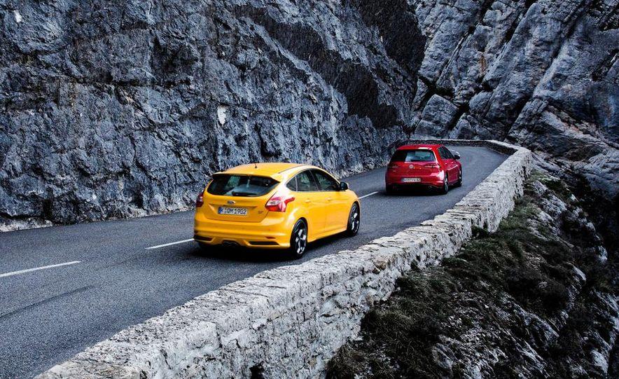 2015 Volkswagen GTI 5-door and 2013 Ford Focus ST (Euro-spec) - Slide 9