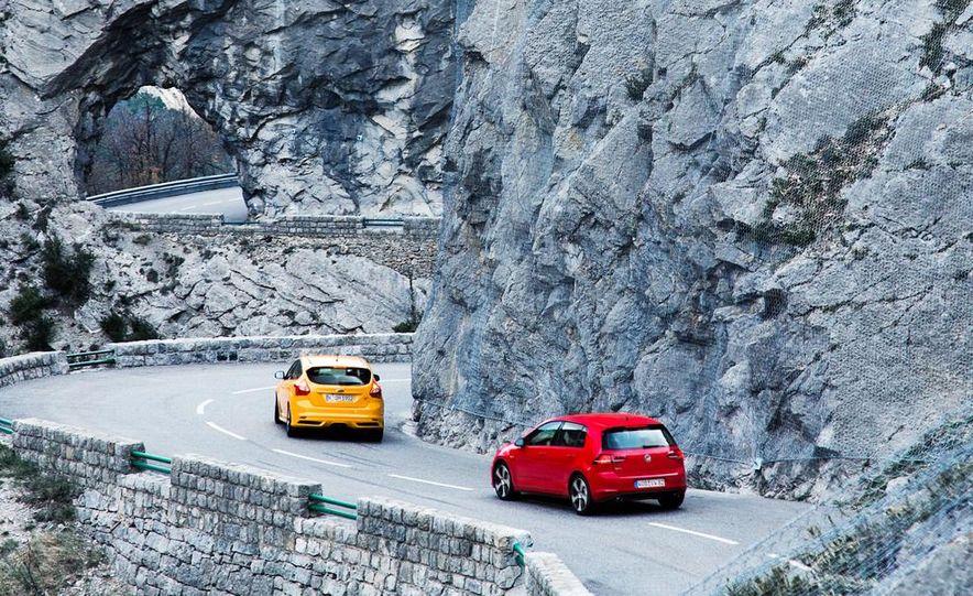 2015 Volkswagen GTI 5-door and 2013 Ford Focus ST (Euro-spec) - Slide 11
