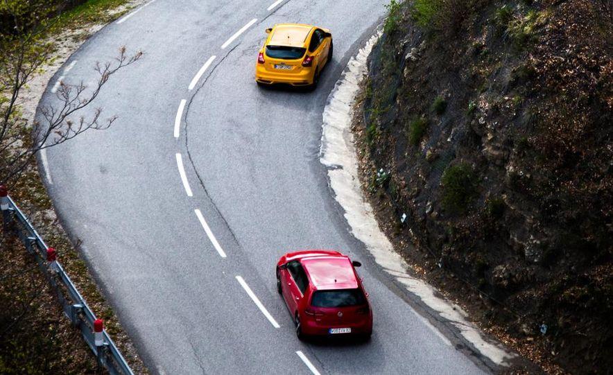 2015 Volkswagen GTI 5-door and 2013 Ford Focus ST (Euro-spec) - Slide 12