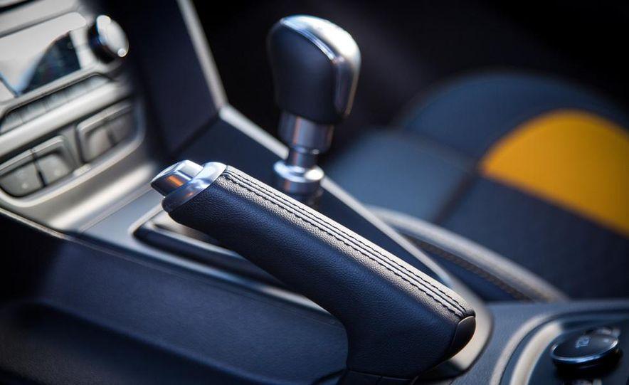 2015 Volkswagen GTI 5-door and 2013 Ford Focus ST (Euro-spec) - Slide 44