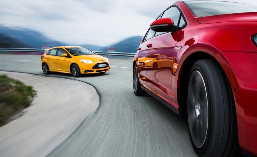 2015 Volkswagen GTI 5-door and 2013 Ford Focus ST (Euro-spec) - Slide 31