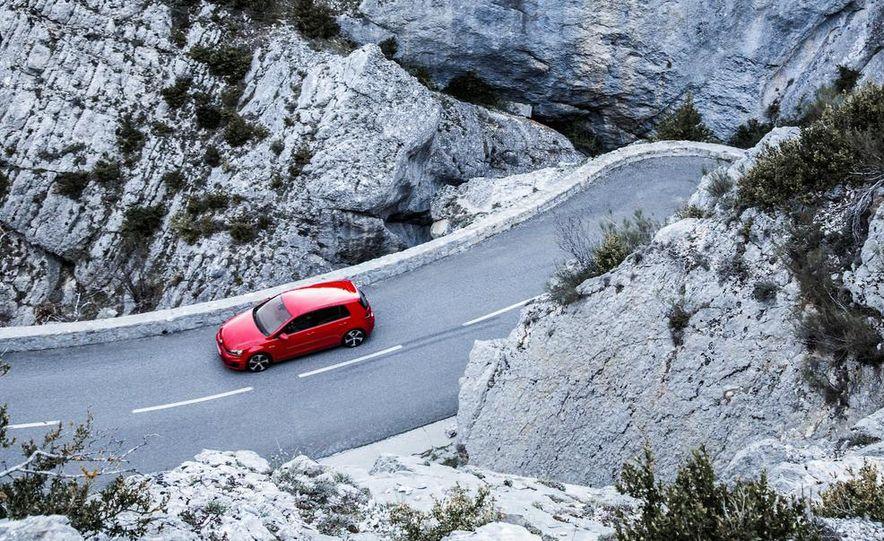 2015 Volkswagen GTI 5-door and 2013 Ford Focus ST (Euro-spec) - Slide 17