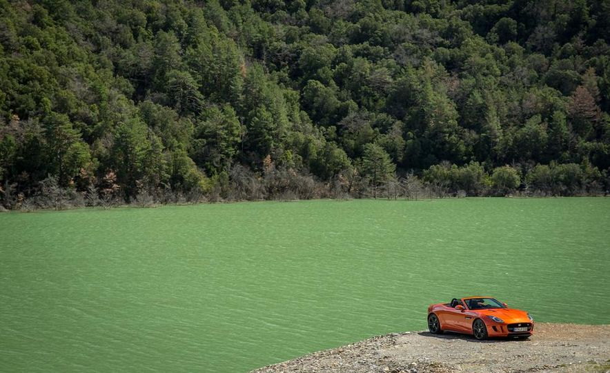 2015 Jaguar F-type coupe (spy photo) - Slide 97