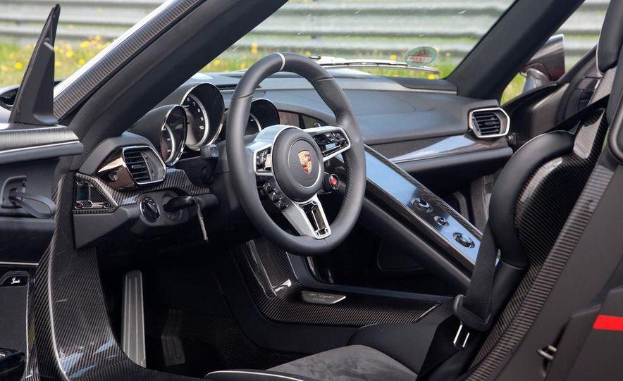 2015 Porsche 918 Spyder - Slide 30