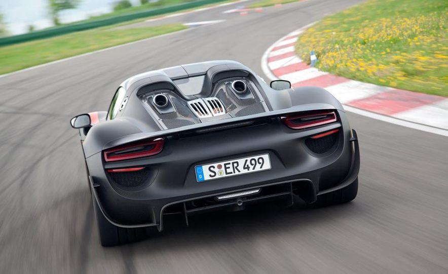 2015 Porsche 918 Spyder - Slide 7