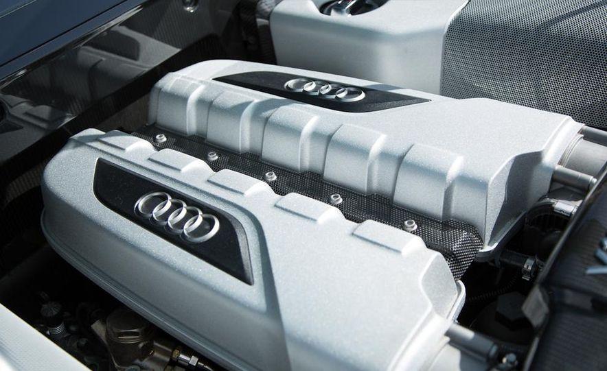 2014 Audi R8 V-10 Plus - Slide 32