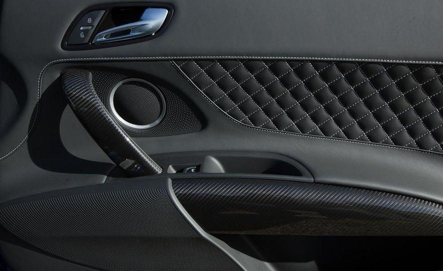 2014 Audi R8 V-10 Plus - Slide 29
