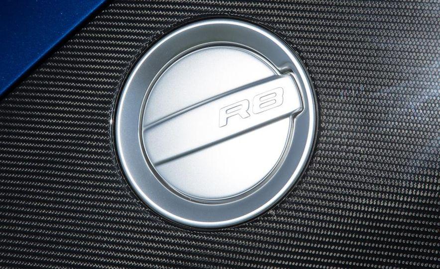 2014 Audi R8 V-10 Plus - Slide 16