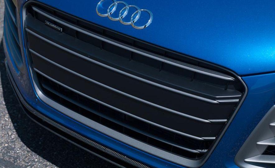 2014 Audi R8 V-10 Plus - Slide 11