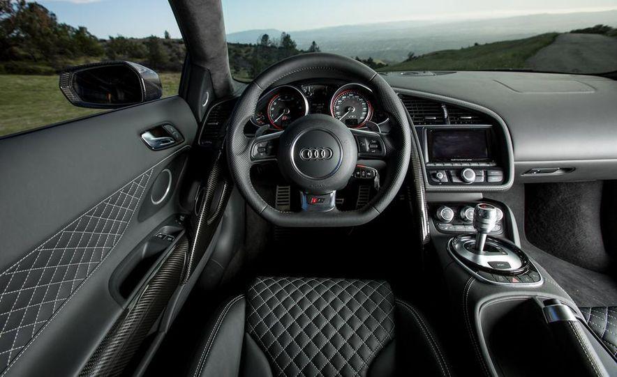 2014 Audi R8 V-10 Plus - Slide 22
