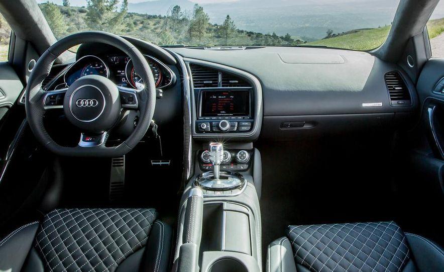 2014 Audi R8 V-10 Plus - Slide 23