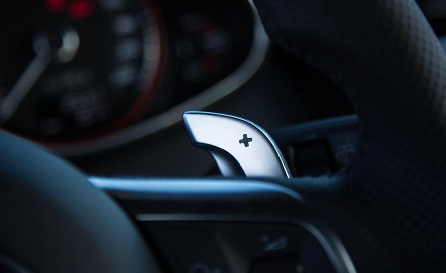 2014 Audi R8 V-10 Plus - Slide 28