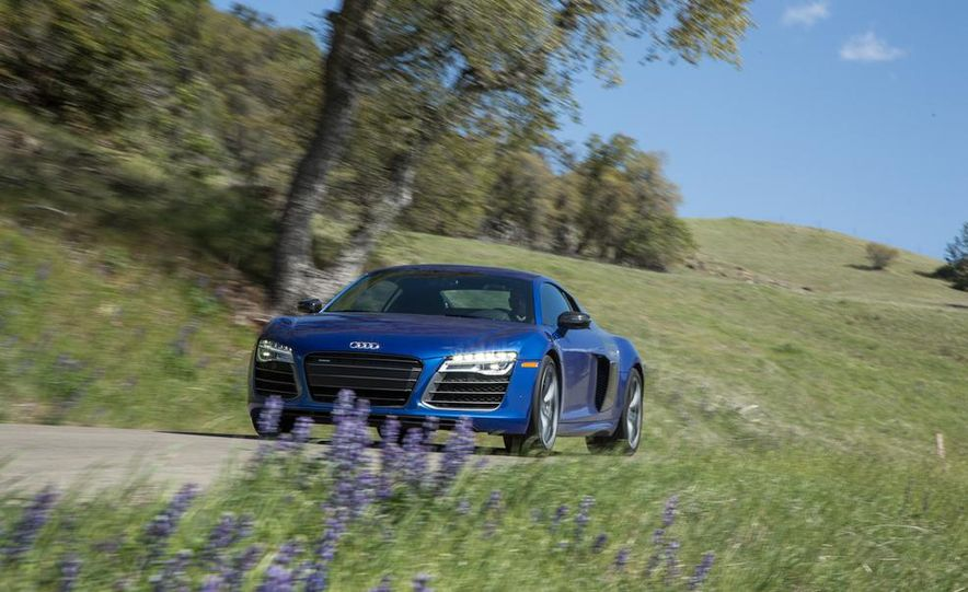 2014 Audi R8 V-10 Plus - Slide 3