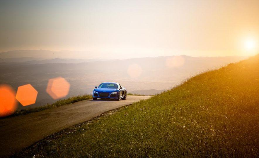 2014 Audi R8 V-10 Plus - Slide 4