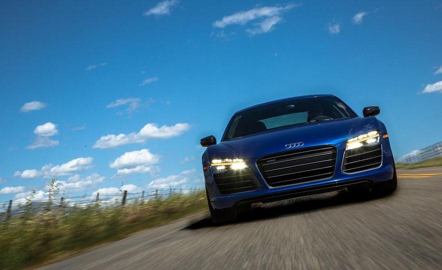 2014 Audi R8 V-10 Plus - Slide 7