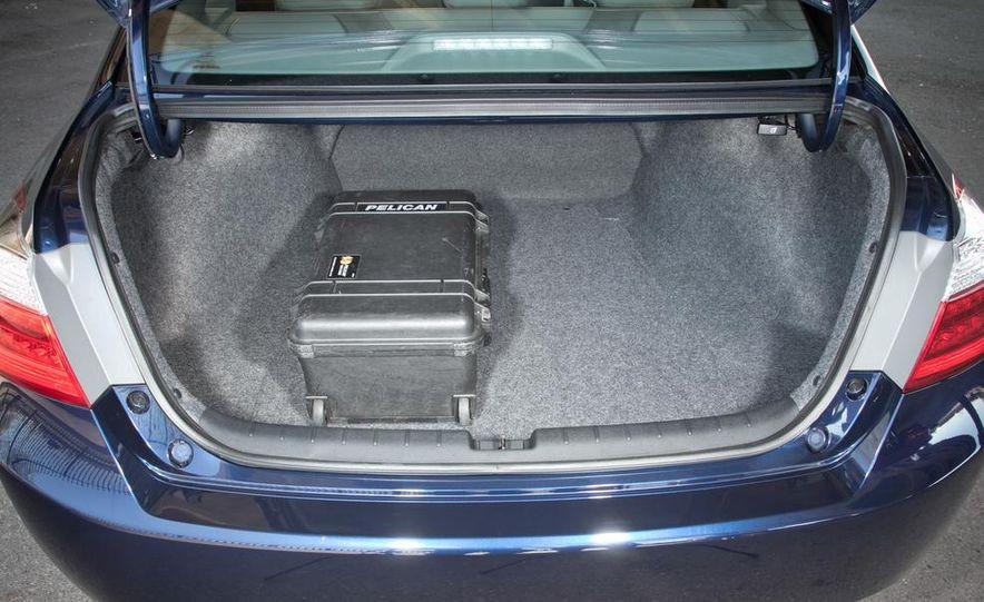 2014 Mazda 6 Grand Touring and 2013 Honda Accord EX-L - Slide 30