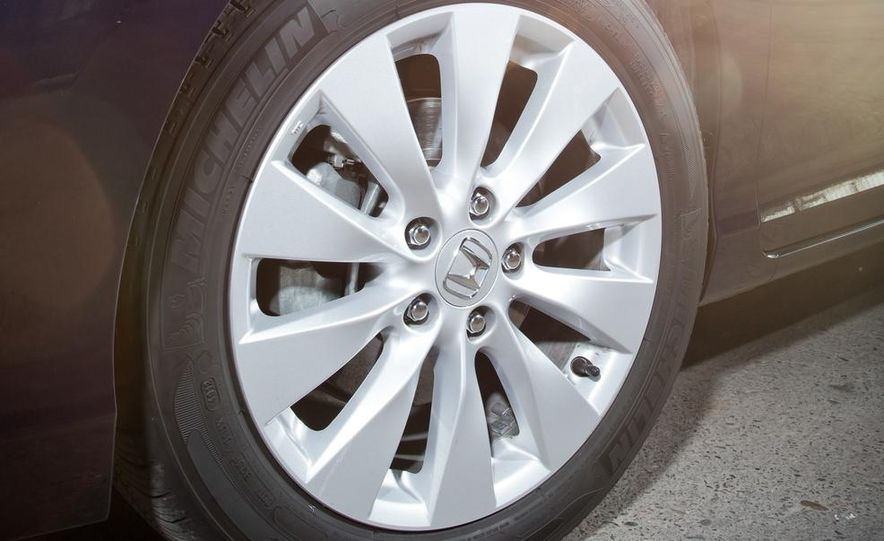 2014 Mazda 6 Grand Touring and 2013 Honda Accord EX-L - Slide 17