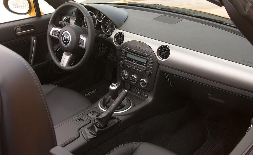 2012 Mazda MX-5 Miata - Slide 27
