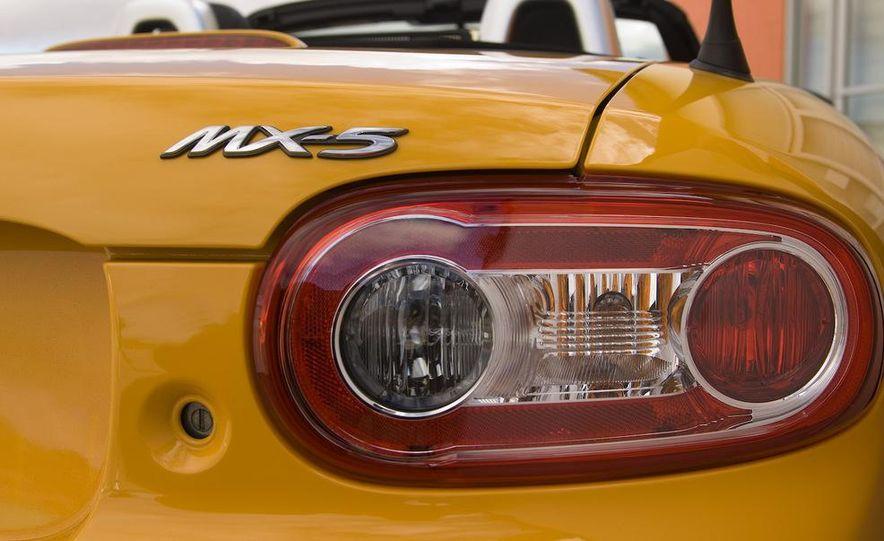 2012 Mazda MX-5 Miata - Slide 26