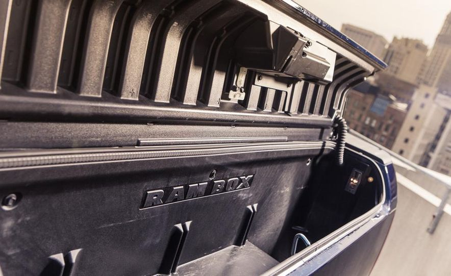 2013 Ram 1500 SLT Crew Cab 4x4 - Slide 47