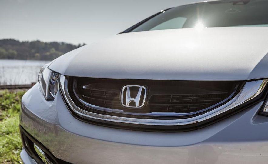 2013 Honda Civic hybrid - Slide 12