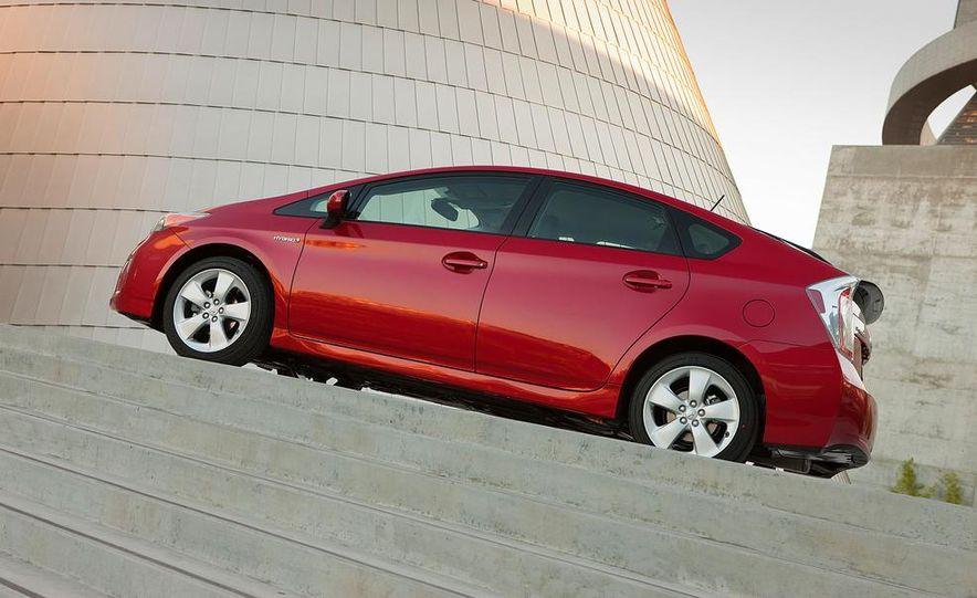 2015 Toyota Prius (spy photo) - Slide 32
