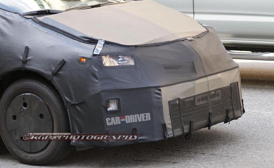 2015 Toyota Prius (spy photo) - Slide 17