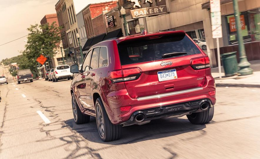 2014 Jeep Grand Cherokee SRT - Slide 6