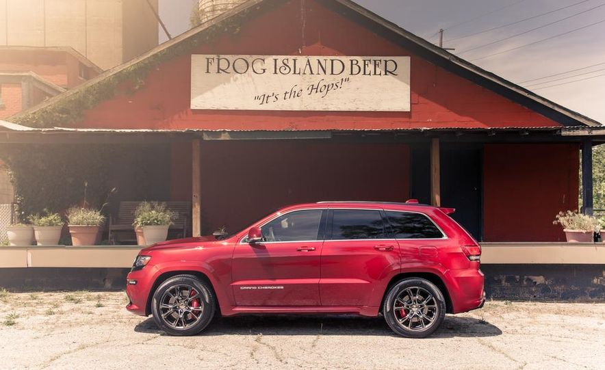 2014 Jeep Grand Cherokee SRT - Slide 8