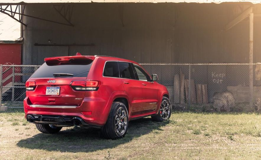 2014 Jeep Grand Cherokee SRT - Slide 9